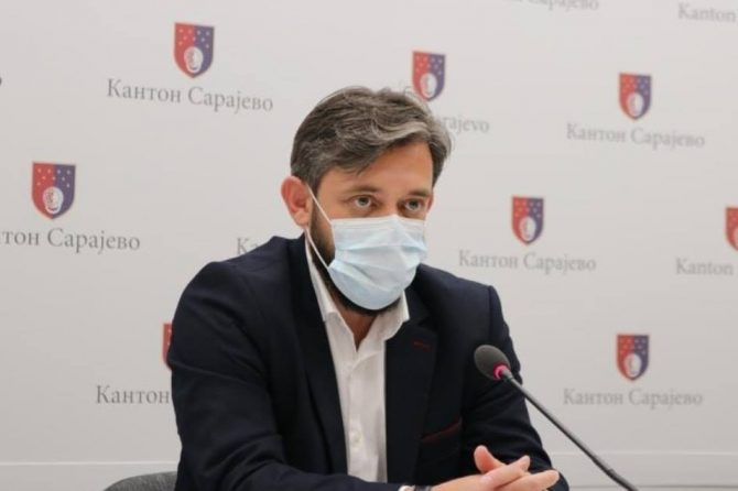 Prof.dr. Pilav: Zbog povećanja broja novozaraženih u KS, odlučili smo pooštriti našu naredbu