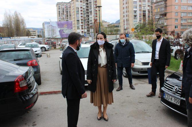 """""""U borbi za zdravlje naših građana svi moramo biti ujedinjeni"""", poruka je gradonačelnice Karić"""